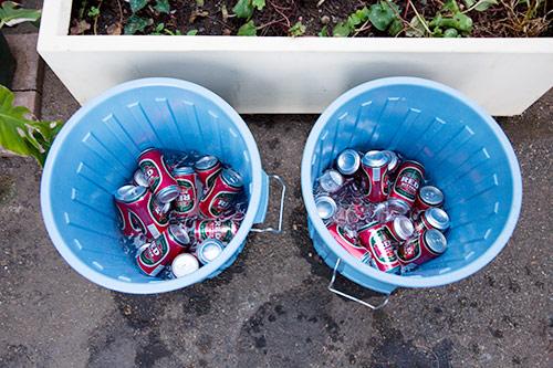 Zwei Eimer voll Bier