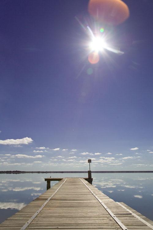 Steg zum Lake Bonney mit Himmel