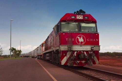 Zug-Bahnhof in Northern Territory. Der Ghan steht bereit.